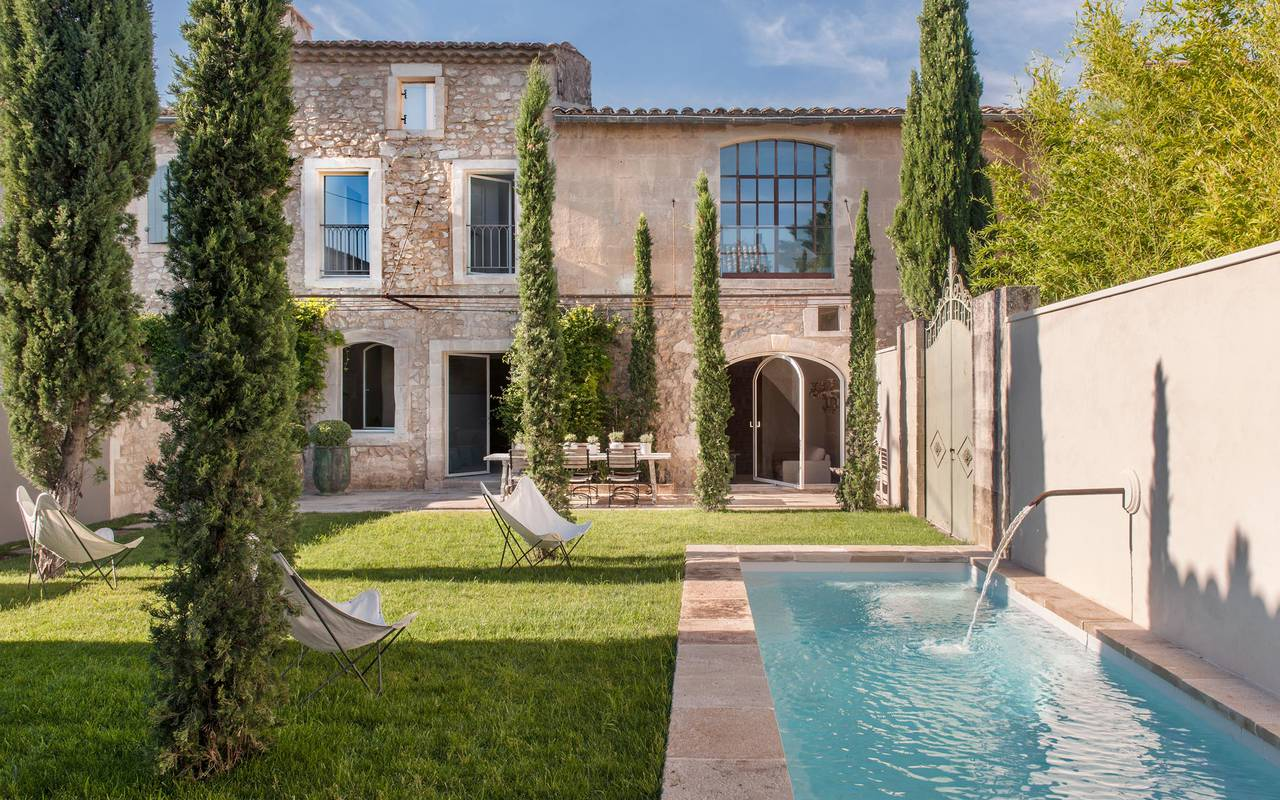 house with private pool in Camargue